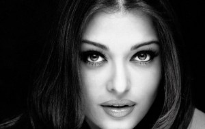 Aishwarya Rai Bachchan black and white wallpaper