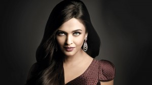 Charm Aishwarya Rai Bachchan wallpaper for iPhone device in dark