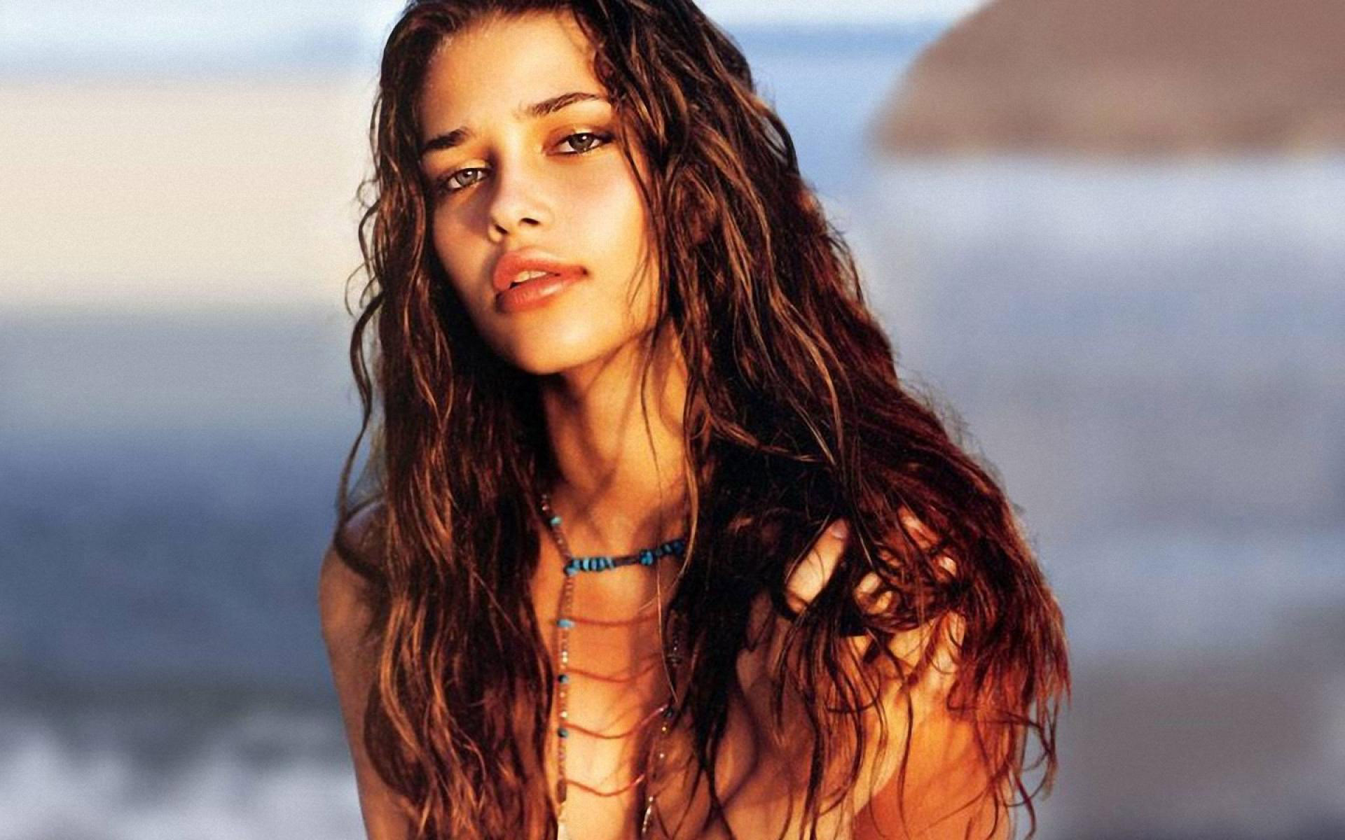 Young Ana Beatriz Barros wet curly hair wallpaper