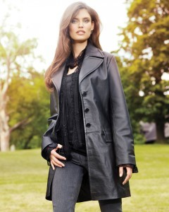 Photo Bianca Balti wears leather costume