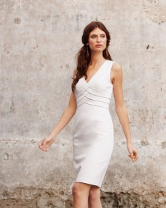 Wallpaper for iPhone Bianca Balti in white dress