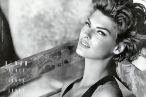 Amazing Linda Evangelista black and white