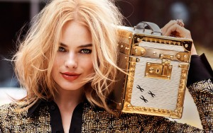 Margot Robbie with box