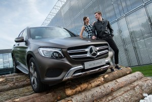 Mercedes-Benz GLC girl