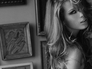 Petra Nemcova black and white wallpaper