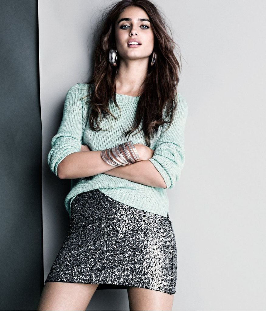 Photo Taylor Marie Hill in a skirt
