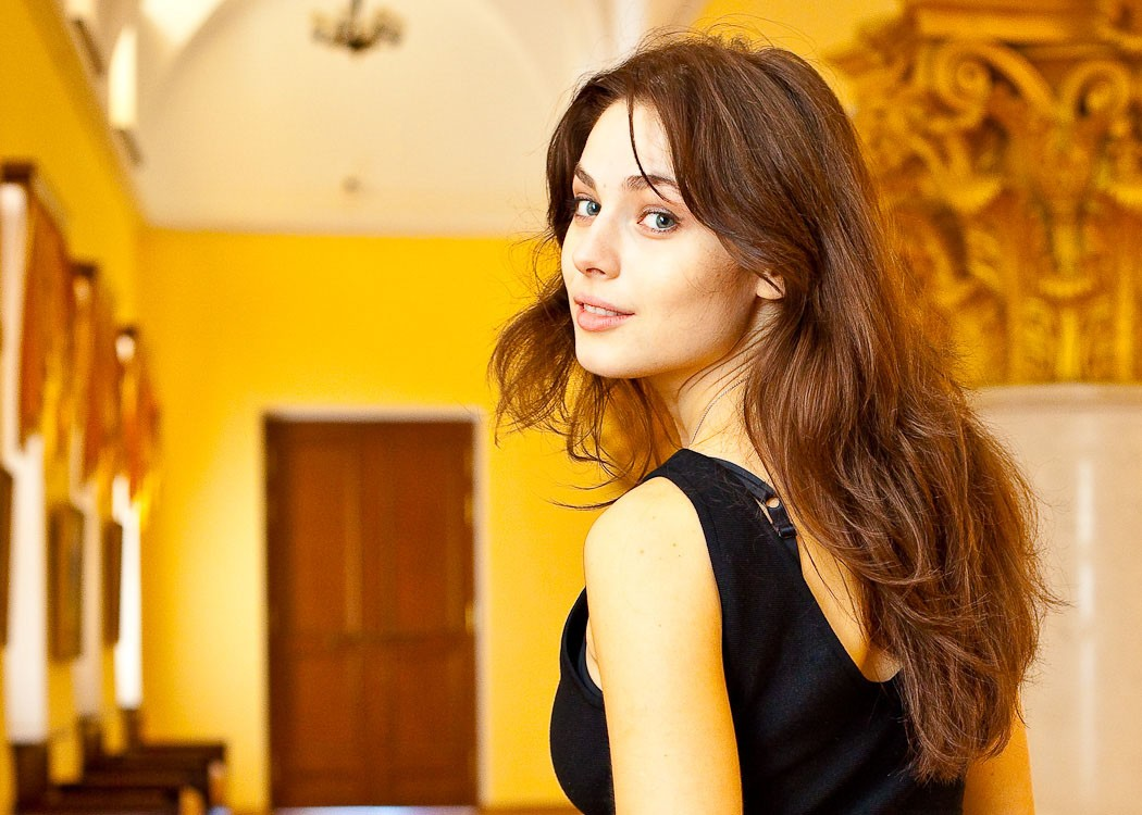 Yuliya Snigir Hd Desktop Wallpapers Download