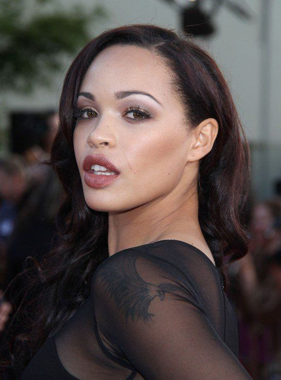 Cleopatra Coleman HD images for iPhone