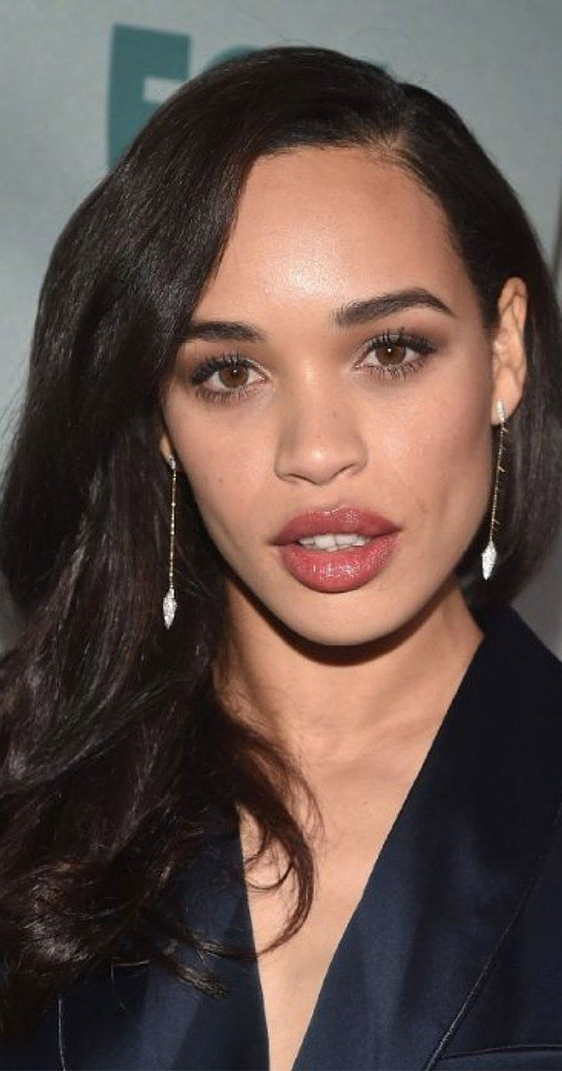 Cleopatra Coleman Wallpapers Hd Free Download