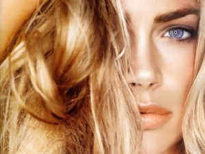 Cool Denise Richards face