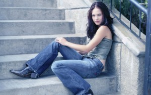 Young Kristin Kreuk background