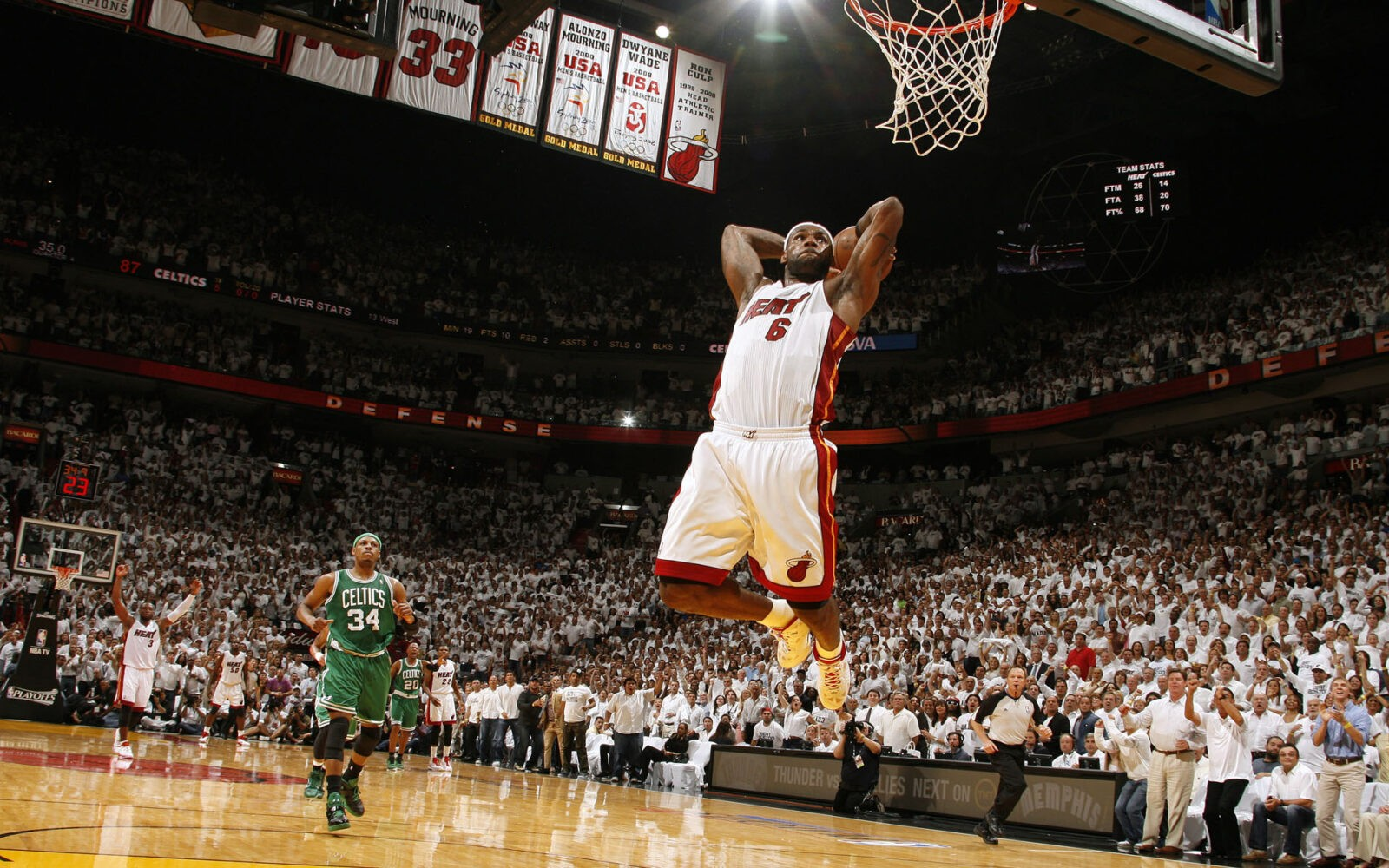 LeBron James Heat Dunk