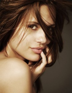 Torrey Devitto face photo
