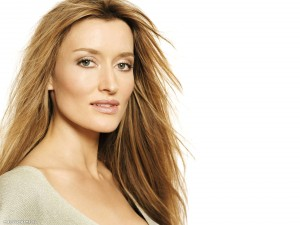 cute Natascha Mcelhone 4k wallpaper download