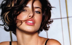 Adriana Lima short hair HD 1080p wallpaper