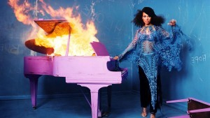 Alicia Keys with piano HD pic
