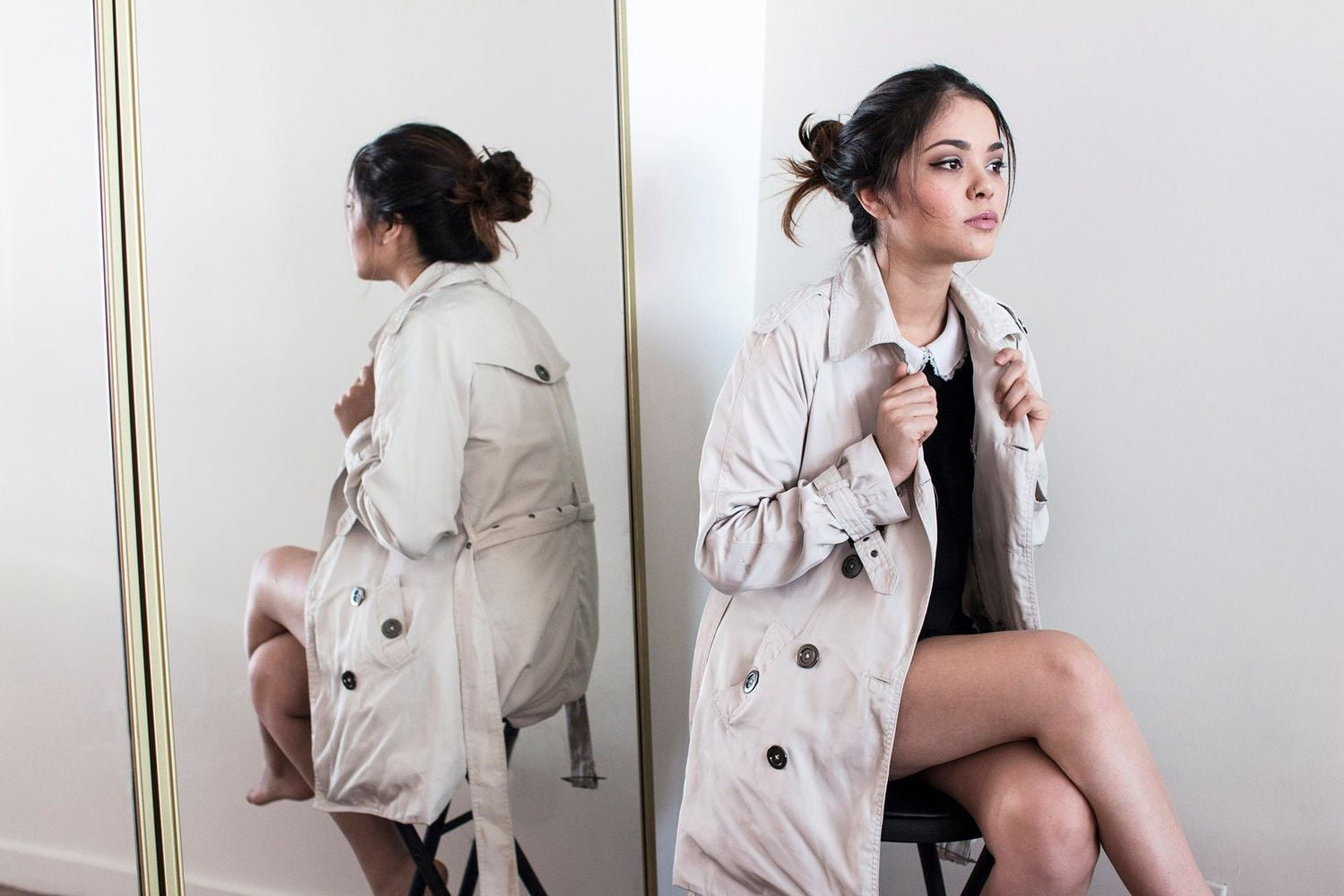 Full HD pics of Alyssa Bernal grey coat