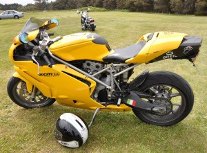 Amazing yellow Ducati 999 pictures