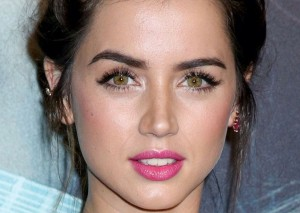 Ana de Armas eyes High Resolution wallpaper