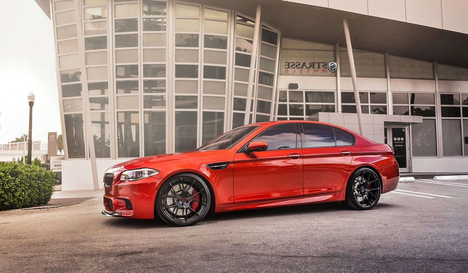 BMW M5 F10 side themes for PC