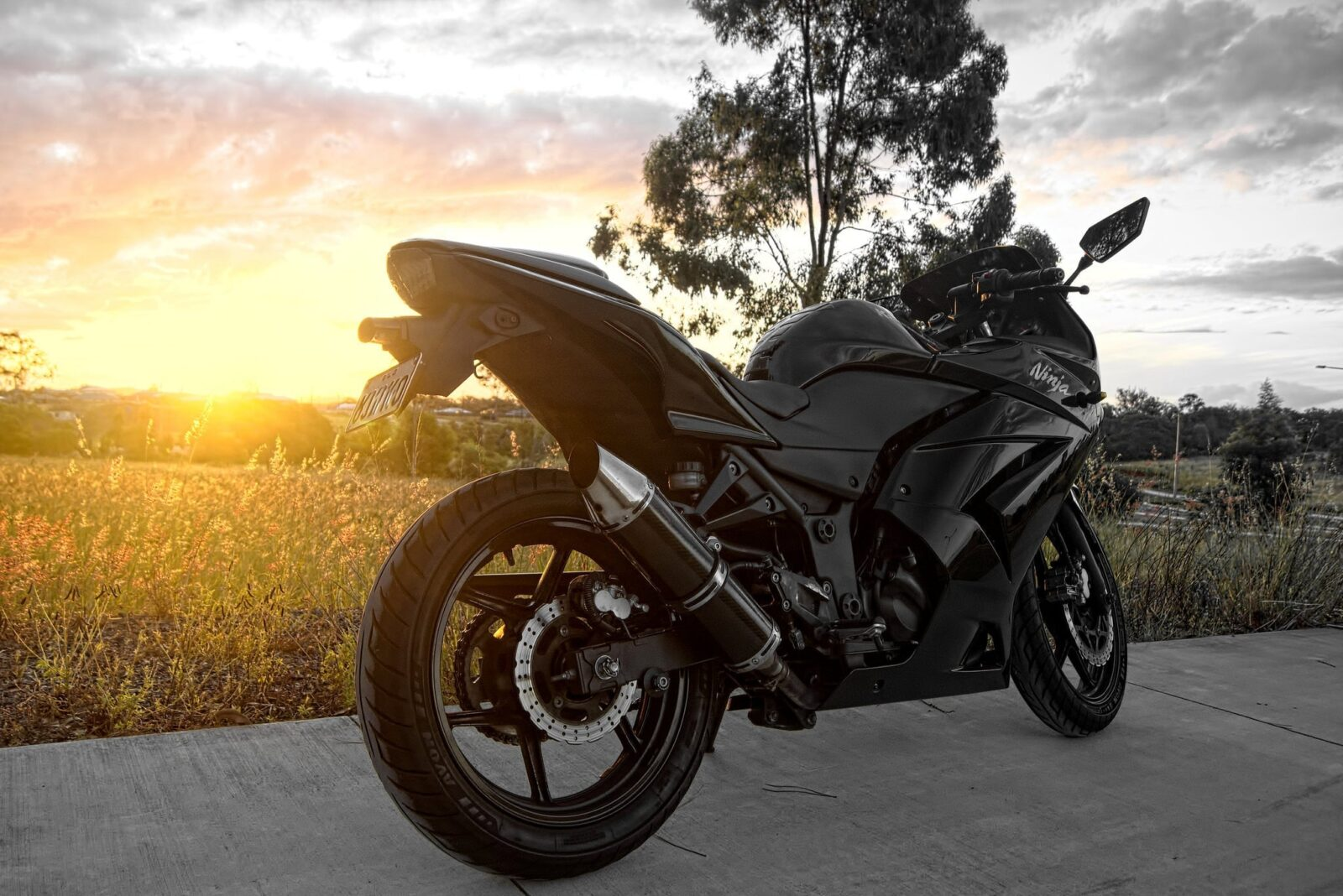 Black Kawasaki Ninja 250 HD Wallpapers