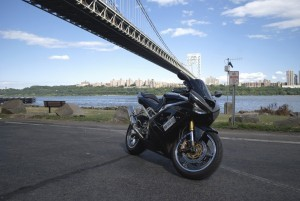 Black Kawasaki Ninja ZX6R for desktop