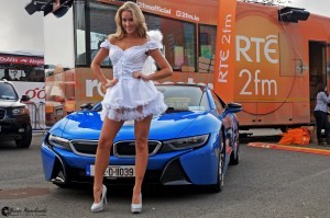 Blue BMW i8 girls pictures