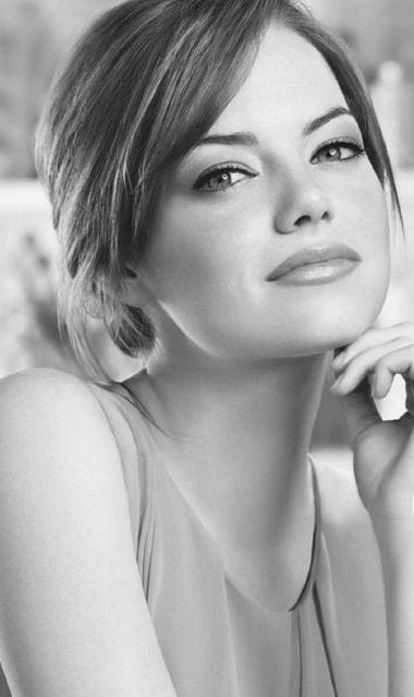 Cute face of Emma Stone bw HD for mobile phones