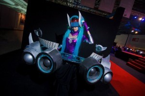 DJ Sona League of Legends cosplay pictures