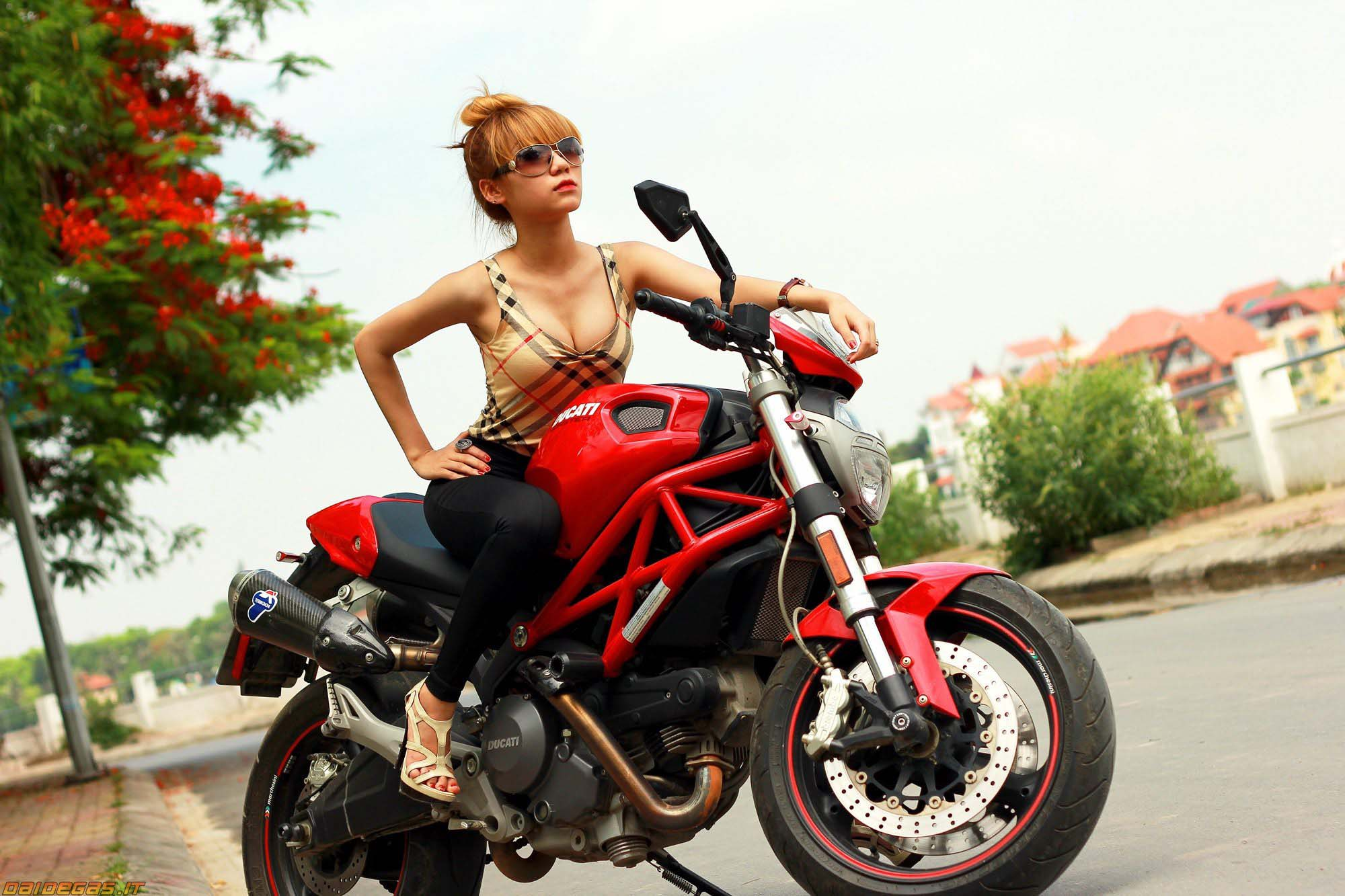 Ducati Monster 696 with girl