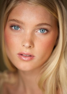 Elsa Hosk face for iPhone