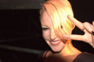 wallpaper of Emma Hewitt smile