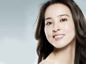 Image of Han Hye Jin smile