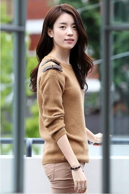 http://wallpapersqq.net/wp-content/uploads/2015/12/Han-Hyo-Joo-style.jpg