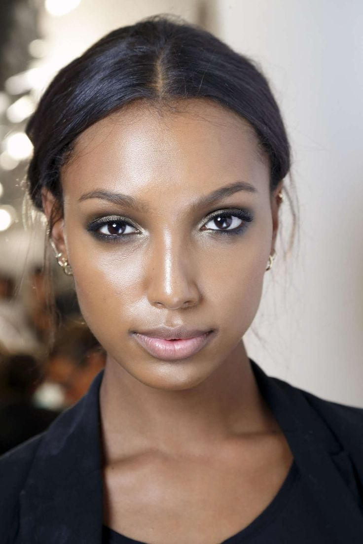 Jasmine Tookes makeup themes for iPhone