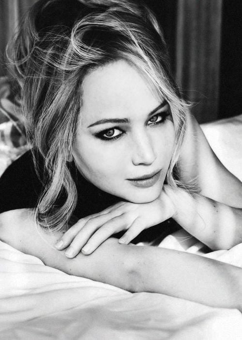 Jennifer Lawrence bw for iPhone HD 1080p
