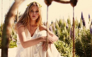 Jennifer Lawrence in white dress desktop
