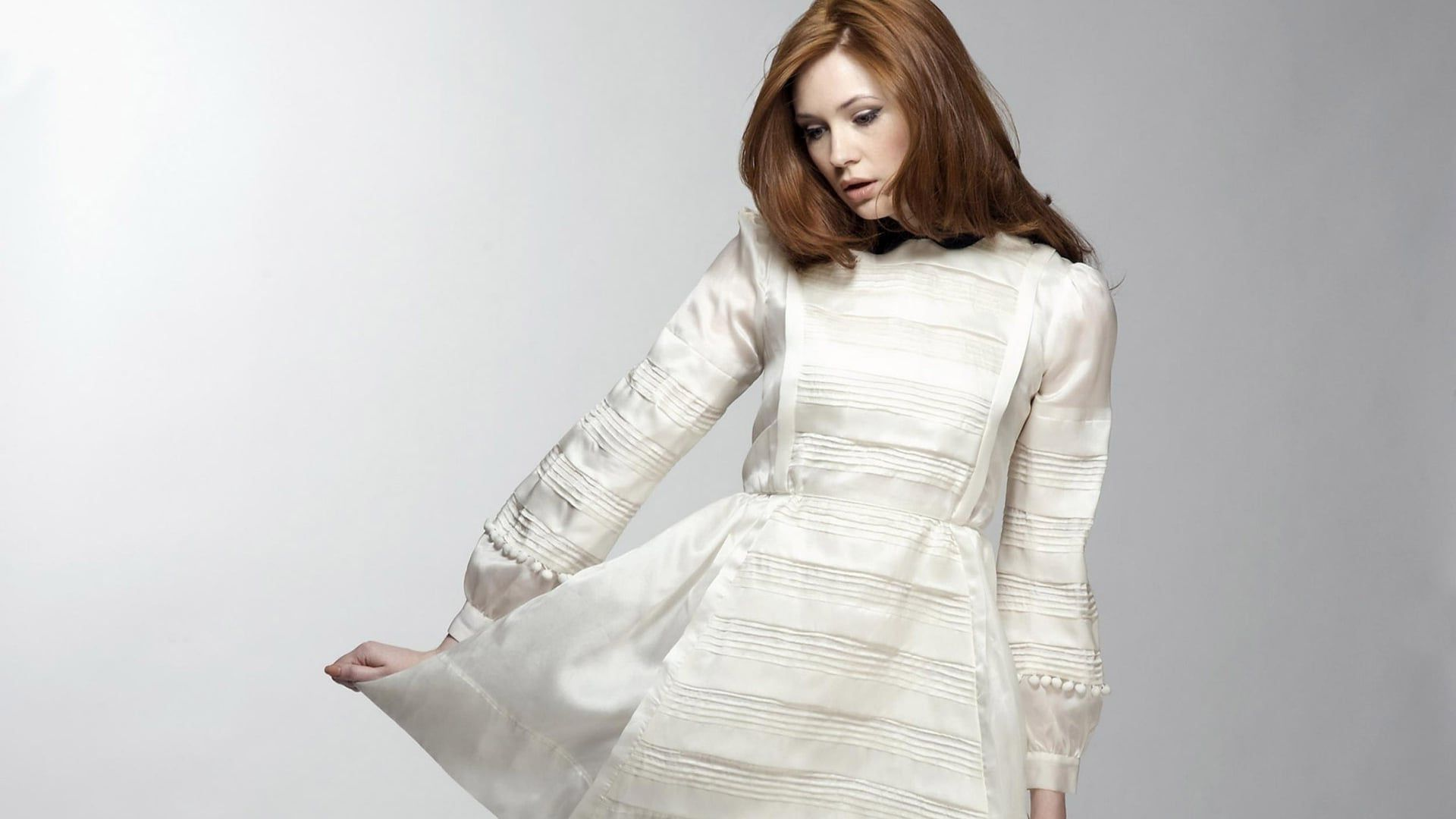 Full HD pics of Karen Gillan