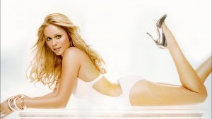 Laura Vandervoort themes for PC