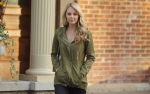 Laura Vandervoort style High Quality wallpapers