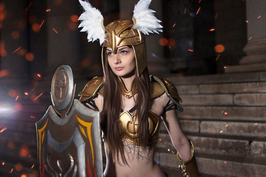League of Legends Leona cosplay themes for PC