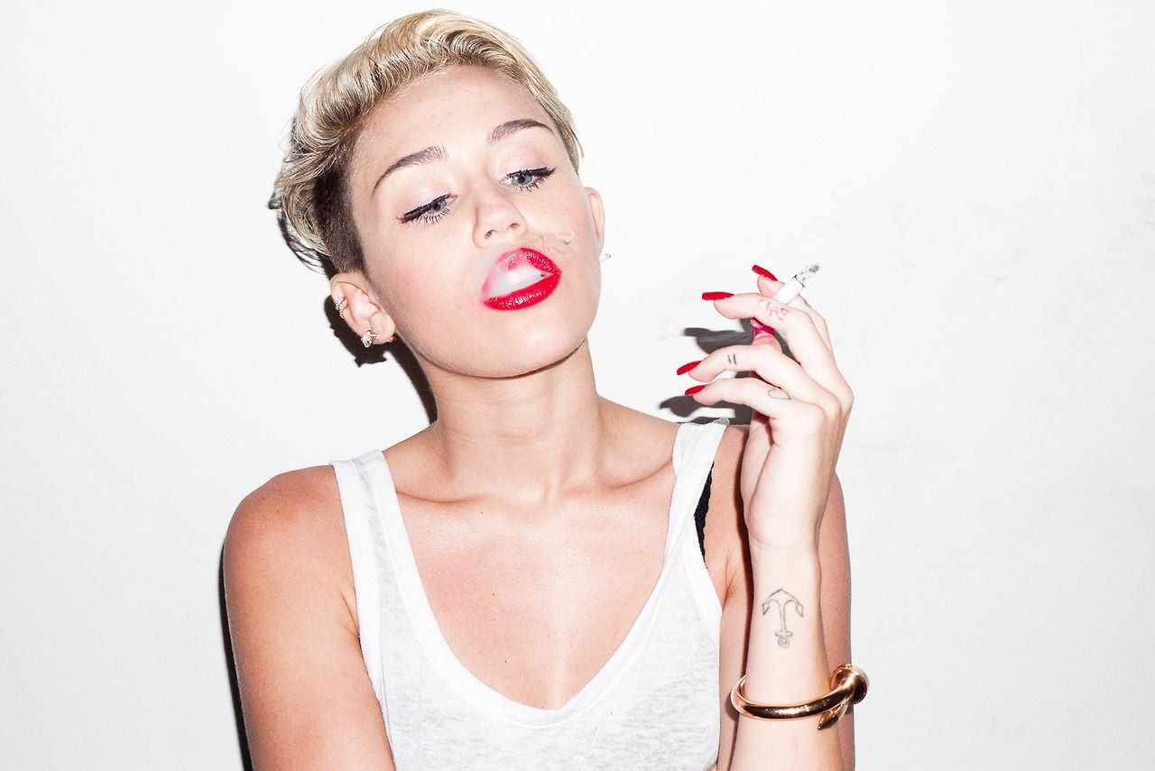 Miley Cyrus smoke backgrounds