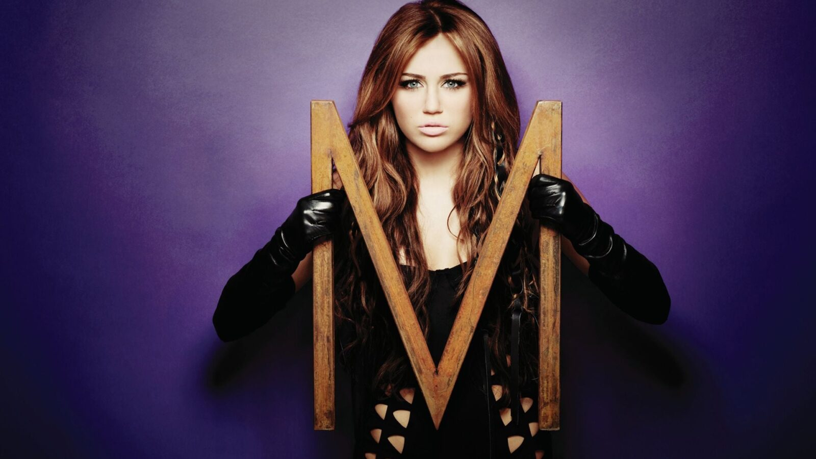Logo Miley Cyrus the letter M HD images