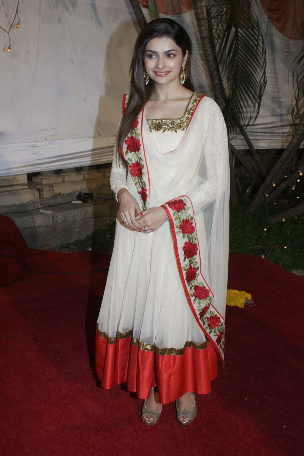 wallpaper of Prachi Desai indian for Android