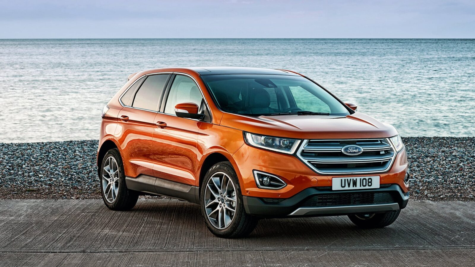 Red 2015 Ford Edge full HD image