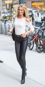 Romee Strijd leather leggins style High Quality