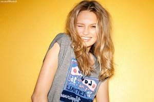 Romee Strijd smiling full HD image