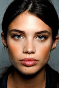Sara Sampaio face for mobiles
