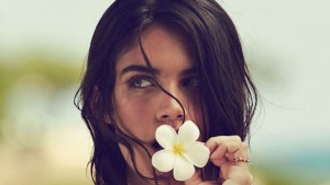 Sara Sampaio with flower HD 1080p wallpaper