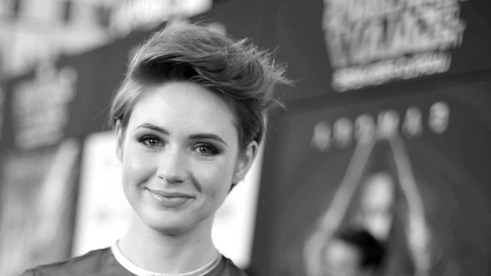 Short hair Karen Gillan bw High Quality wallpapers